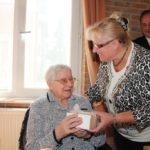 2013-09-28 100-jarige Verona Müller 020a