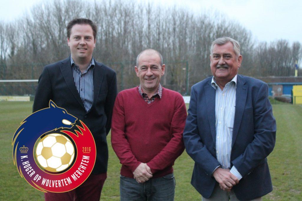 De voorzitter met zijn twee ondervoorzitters.